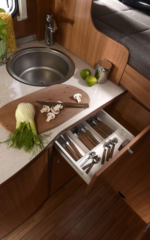 wohnmobile clever in stuttgart weinsberg al 600 mg. Black Bedroom Furniture Sets. Home Design Ideas